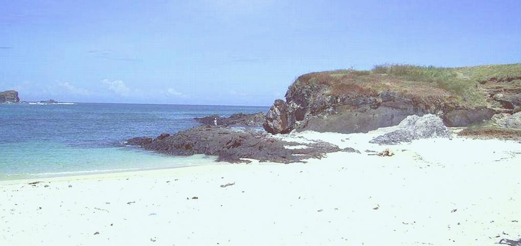 Tanjung Aan dipandang oleh banyak orang sebagai pantai terindah di Lombok