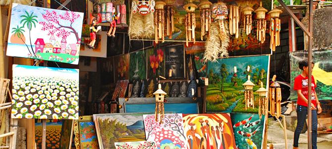 Belanja suvenir di Tegallalang Bali
