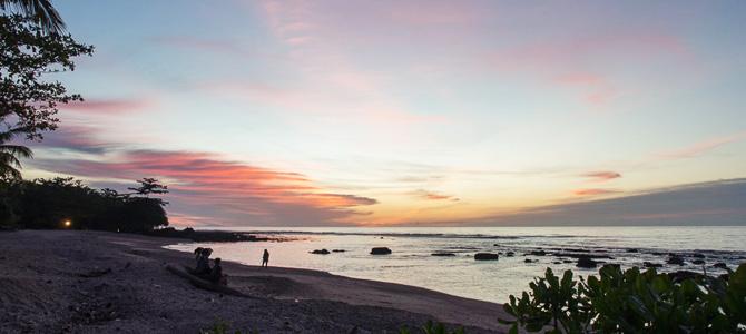 Senja di Tanjung Lesung (foto oleh Wira Nurmansyah)