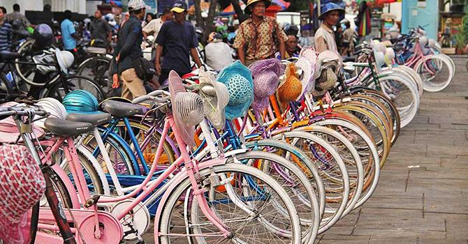 Sepeda Onthel di Kota Tua (IMG: Indonesia.travel)