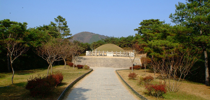 Tomb of General Kim Yusin (IMG: Visit Korea)