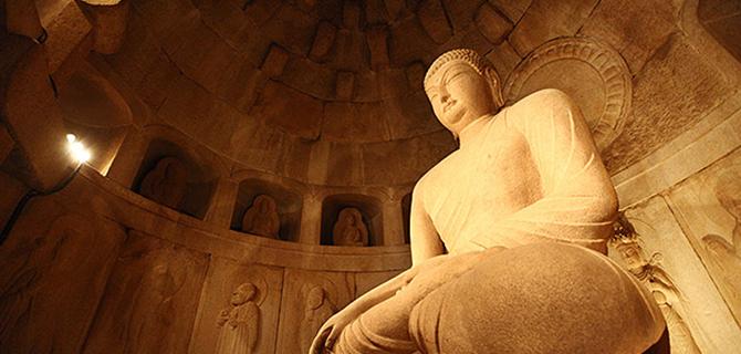 Seokguram Grotto, Buddha (IMG: Antique Alive)