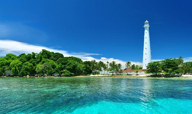 Pulau Lengkuas (IMG: belitungcakrawala)