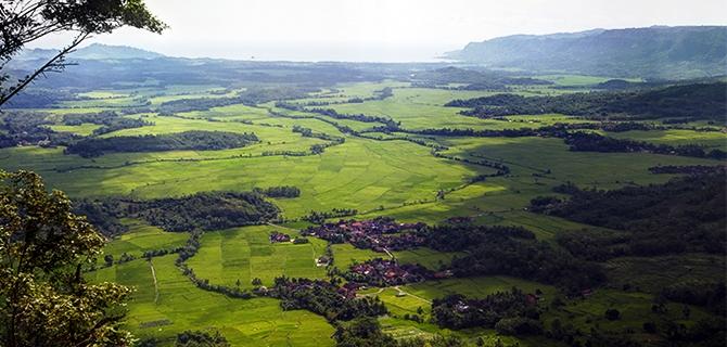 Panorama alam dari Paninjauan (IMG: Jelajahsukabumi.wordpress.com)