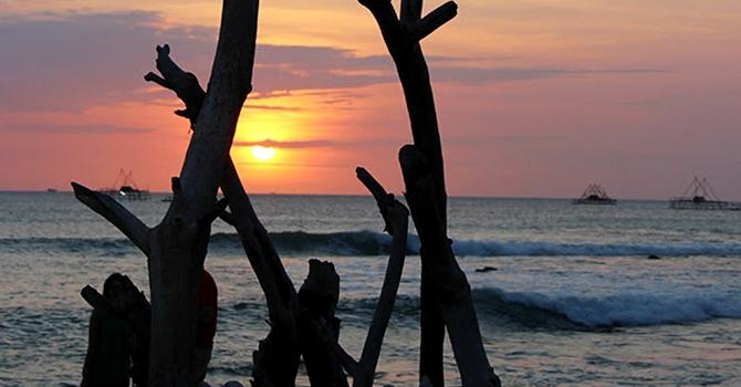 Sunset di Pantai Bodur (IMG: Dulang777)