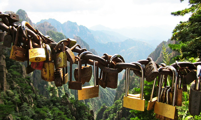 8 huangshan-padlocks-via-imgur