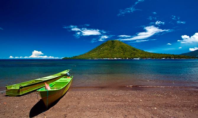 Pulau Maitara di Maluku Utara (IMG: perempuancom)