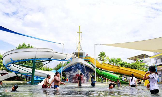 (IMG circuswaterpark)