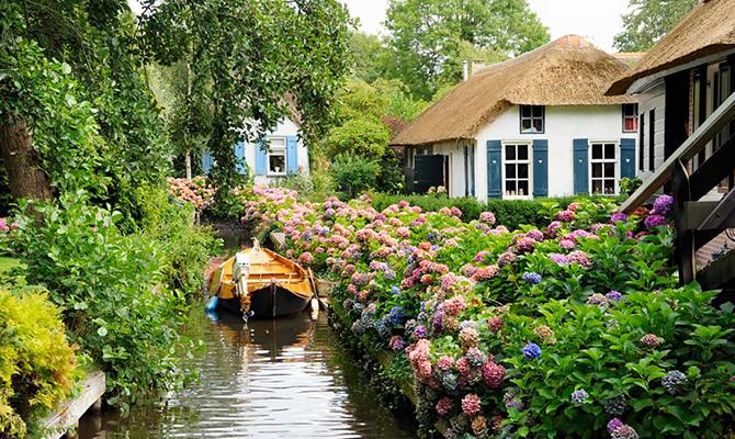 12 Foto Desa Di Belanda Ini Bikin Kamu Serasa Di Negeri