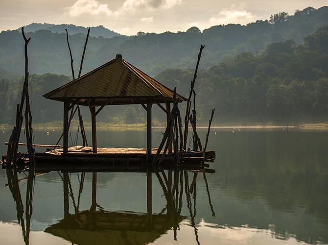 Danau yang epic via experiencetravelgroup