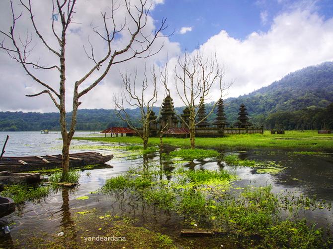 Pura di danau via yandeardanaphotography