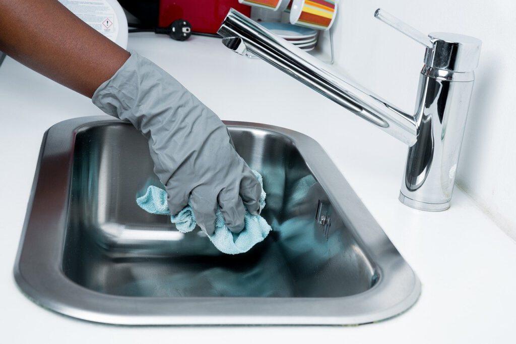 Bersihkan Setiap Hari